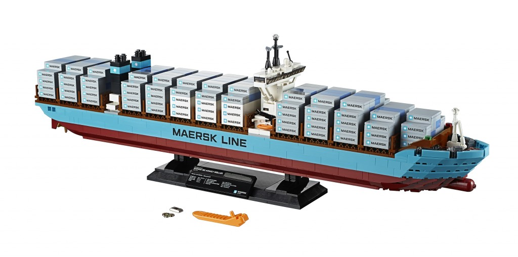 LEGO 10241 Maersk Line Triple-E (High Resolution)