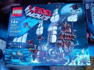 LEGO Movie 70810 MetalBeard's Sea Cow (Pre)