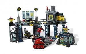 LEGO Super Heroes The Batcave 6860 - Toysnbricks