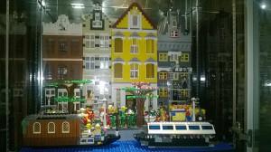 [MOC] Amsterdam Canal House Street Scene