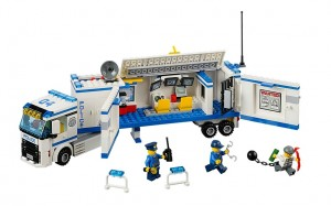 LEGO City Mobile Police Unit 60044 - Toysnbricks