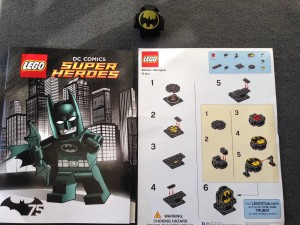 LEGO Super Heroes DC Batman Bat Signal Build ToysRUs Bricktober October 2014