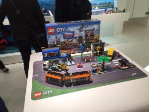 LEGO City 60097 Town Square (Pre)