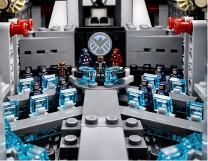 LEGO Interior 76042 SHEILD Helicarrier Super Heroes High Resolution - Toysnbricks
