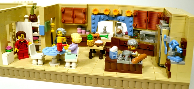 Golden Girls LEGO Set 660 x 305