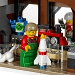 LEGO 10249 Winter Toy Shop Creator Function 2 (High Resolution) - Toysnbricks