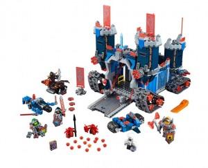 LEGO 70317 Fortrex Nexo Knights Set (Pre)