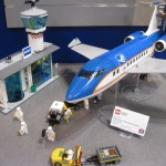 LEGO City 60104 Airport Passenger Terminal NYTF 2016 - Toysnbricks
