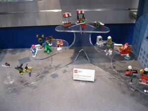 LEGO City 60133 Advent Calendar 2016 Interior Details NYTF September 2016 - Toysnbricks
