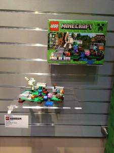 LEGO Minecraft The Iron Golem 21123 NYTF 2016 - Toysnbricks