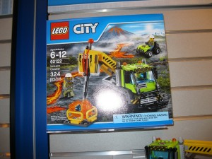 NYTF LEGO City 60122 Volcano Crawler Box Aug2016 - Toysnbricks