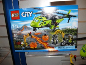 NYTF LEGO City 60123 Volcano Supply Helicopter Aug2016 - Toysnbricks