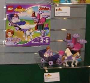 NYTF LEGO Duplo Disney Junior 10822 Sofia's Magical Carriage Aug2016 - Toysnbricks