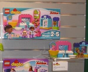 NYTF LEGO Duplo Disney Junior 10828 Doc McStuffins' Pet Vet Care Aug2016 - Toysnbricks
