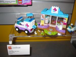 NYTF LEGO Duplo Juniors 10728 Mia's Vet Clinic Aug2016 - Toysnbricks