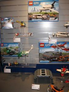 Summer 2016 LEGO City Airport Sets 60100 60101 60102 60103 NYTF - Toysnbricks