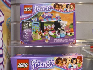 LEGO Friends 41127 Amusement Park Arcade NYTF 2016 - Toysnbricks