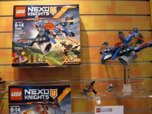 LEGO Nexo Knights 70320 Aaron Fox's Aero-Striker V2 NYTF 2016 - Toysnbricks