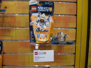 LEGO Nexo Knights 70337 Ultimate Lance NYTF August 2016 - Toysnbricks