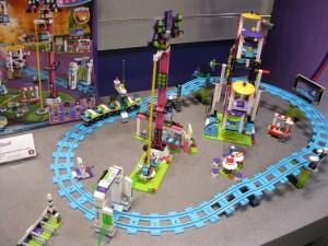 NYTF 2016 LEGO Friends 41130 Amusement Park Roller Coaster - Toysnbricks