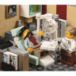 lego-creator-expert-10255-assembly-square-modular-building-set-function-dentist-2017-toysnbricks