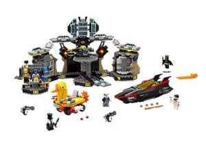 lego-70909-batcave-break-in-the-batman-movie-dc-comics-toysnbricks