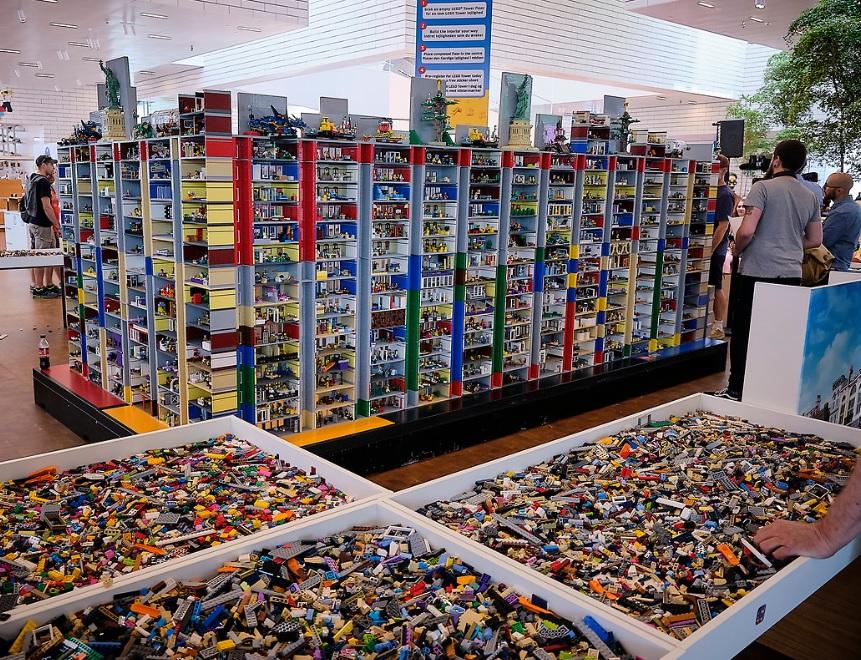LEGO Games Break Guinness World Records for Biggest LEGO